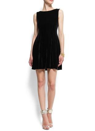Бархатное велюровое черное платье mango