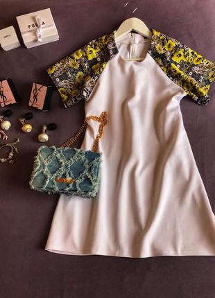 Платье с широким рукавом 🌸