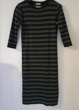 Классное платье миди в полоску 3/4 рукав