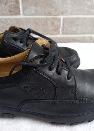 Кожанные туфли clarks 40р