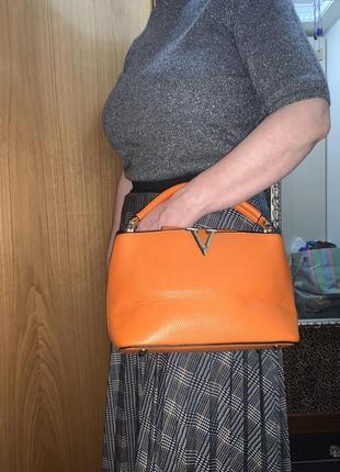Сумка оранжевая брендовая