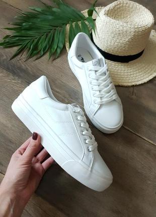 Белые кроссовки tamaris, германия 🦋