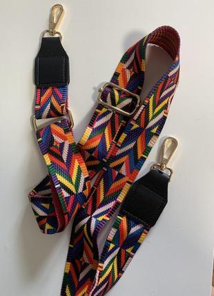 Широкий текстильный ремешок на сумку с вставками из это кожи