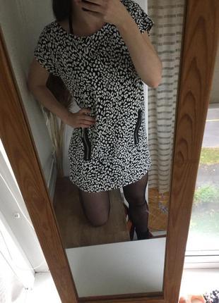 Черно-белое платье oversize