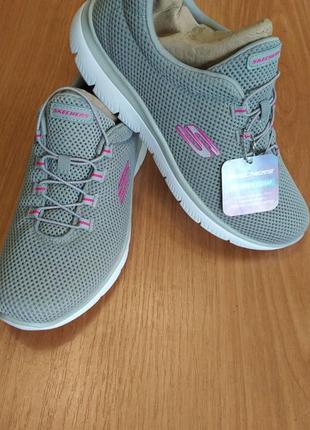 Skechers жіночі кросівки