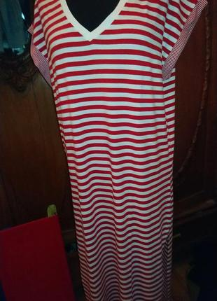 Итальянское платье в полоску.