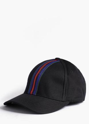 Стильная базовая кепка