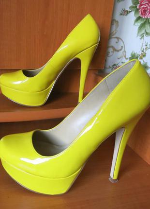 Гламурные туфли aldo размер 37