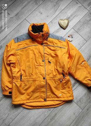 Зимняя лыжная теплая термо куртку fila, с многочисленными карманами