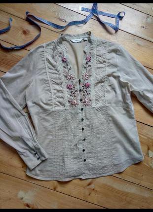 Блуза вышитая
