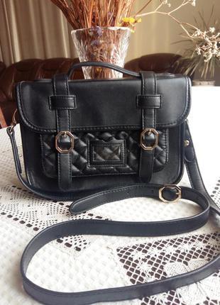 Черная сумка кроссбоди фирмы topshop