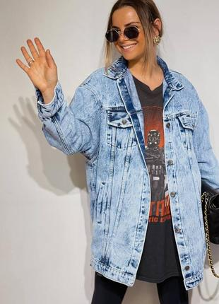 Удлиненная женская джинсовая куртка оверсайз10 фото