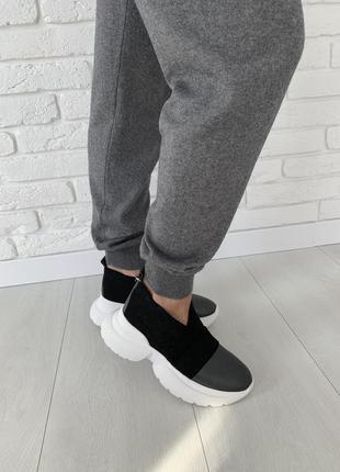 Мега стильные и удобные кожаные кроссовки