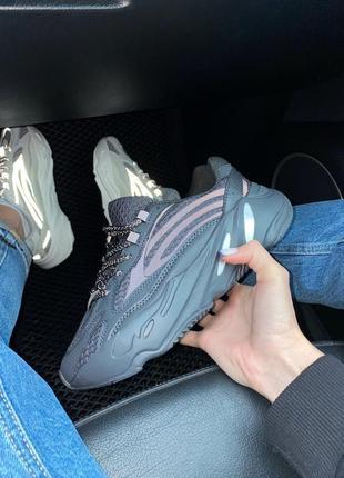 Женские кроссовки adidas yeezy 700 black all reflective9 фото