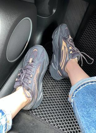 Женские кроссовки adidas yeezy 700 black all reflective1 фото