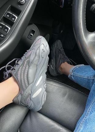 Женские кроссовки adidas yeezy 700 black all reflective7 фото