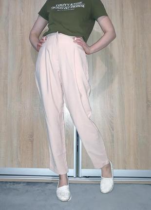 Летние легкие брюки  на высокой посадке с подкатами ровного кроя нежного розового цветаc&a
