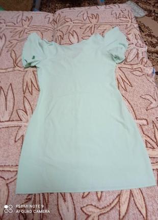 Платье красивого мятного цвета