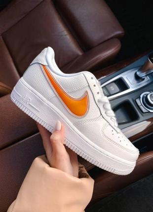 Nk air force 1 mandarin белые кроссовки найк с оранжевым логотипом8 фото