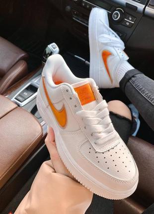 Nk air force 1 mandarin белые кроссовки найк с оранжевым логотипом9 фото