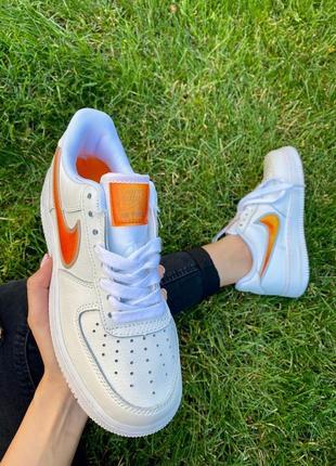 Nk air force 1 mandarin белые кроссовки найк с оранжевым логотипом2 фото
