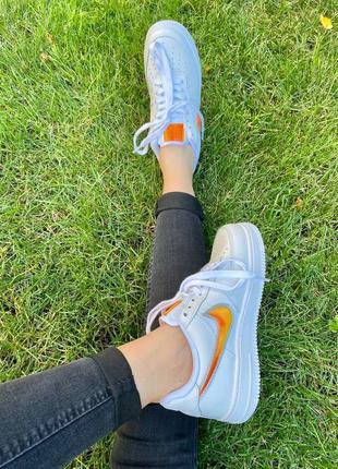 Nk air force 1 mandarin белые кроссовки найк с оранжевым логотипом6 фото