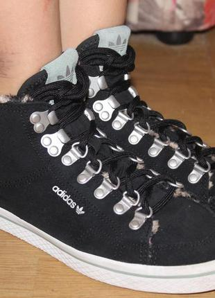 Стильные орыгинальные  натуральные кроссовки , кросовки , высокие adidas