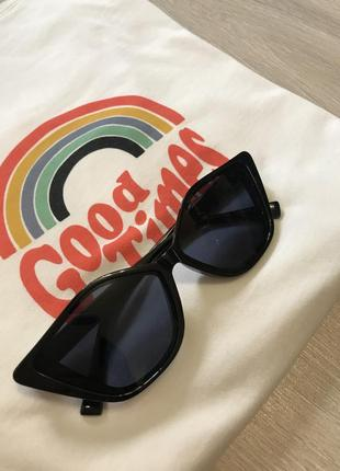 Окуляри стильні темні вінтажні для стилю / трендовые очки лето 2021 солнцезащитные