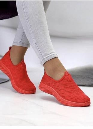 Женские красные кроссовки текстиль1 фото
