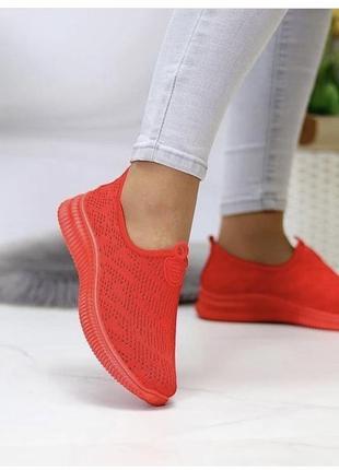Женские красные кроссовки текстиль3 фото
