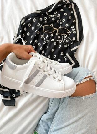 Кросовки белые