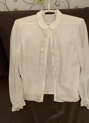 Рубашка белая с рюшами