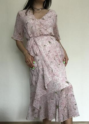 Нежно розовое шифоновое платье миди в цветочный принт