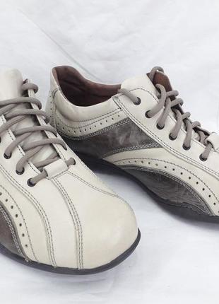 Туфли, кроссовки оригинал bama 44 размер.