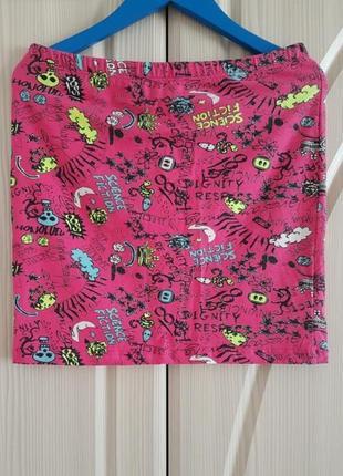 Летняя розовая мини юбка резинка в оригинальный принт.