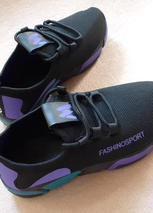 Лёгкие женские кроссовки4 фото