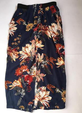 Стильная юбка миди с разрезом вискоза