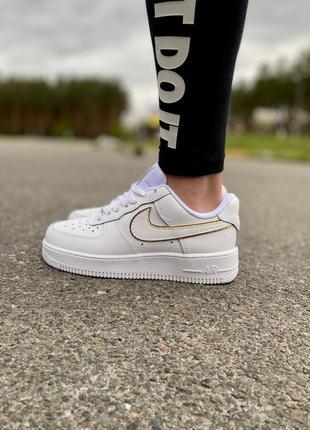 Nike air force 1 essential gold низкие кроссовки на высокой платформе