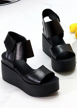 Черные кожаные женские босоножки натуральная кожа на липучке на платформе