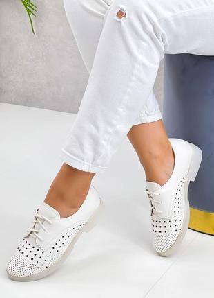 Туфли натуральная пресс кожа белые женские туфлі жіночі