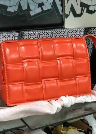 Кожаная сумка в стиле bottega veneta