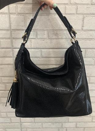 Чёрная кожаная большая сумка