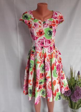 Плаття. сукня. квітковий принт.