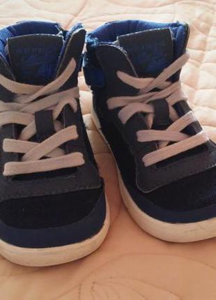 Ботинки(высокие кеды) фирмы next, размер 7,стелька 15,5 си