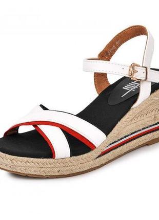 Женская летняя обувь - купить босоножки сабо на плетеной платформе 2021