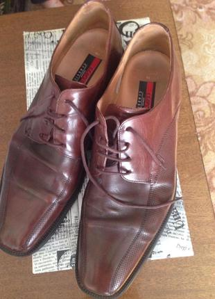 Элегантные мужские туфли