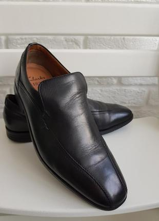 Мужские туфли clarks в размере 41-42 в отличном состоянии