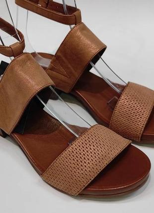М'які жіночі комфортні босоніжки bueno зручні нові коричневі шкіра