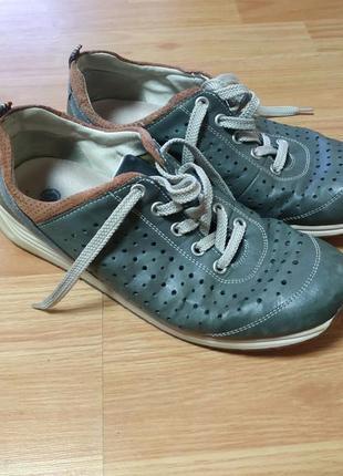 Шкіряні кросівки1 фото