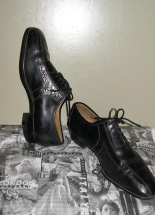 Кожаные туфли на шнурках р.40